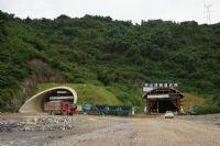 广乐高速英德中山顶隧道出口