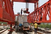 广乐高速连江桥隧工程正在进行桥面吊装施工